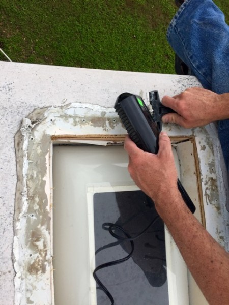 Trying to scrape off all the old caulking was a chore. Hair dryer to the rescue again!